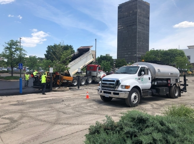 5 Things to Consider When Selecting An Asphalt Paving Contractor